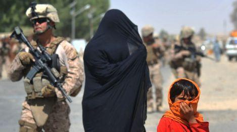 ninas-envenenadas-Afganistan-protesta-escolarizacion_TINIMA20120625_0148_5