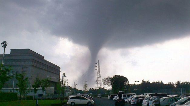 Espa a un tornado deja 35 heridos tras arrasar la feria de gand a valencia vistoenlaweb org - Tornados en espana ...
