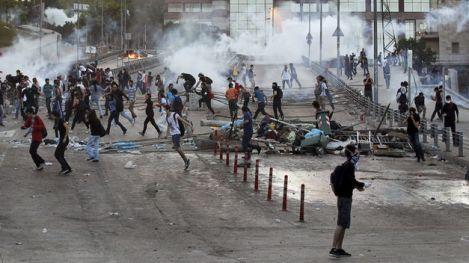 Muere-disparo-joven-manifestaciones-Turquia_TINIMA20130604_0016_5