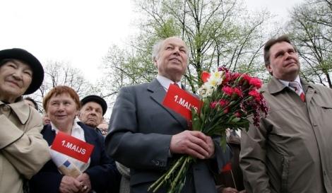 Latvijas Sociālistiskās partijas mītiņš Grīziņkalnā