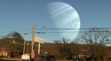 Si el lugar de la luna fuera reemplazada por otro planeta