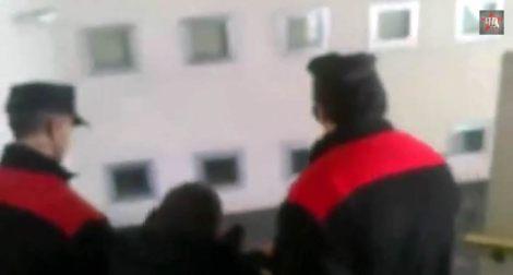 La-Policía-desaloja-a-enfermos-de-hepatitis-C-encerrados-en-un-hospital-de-Pamplona_1